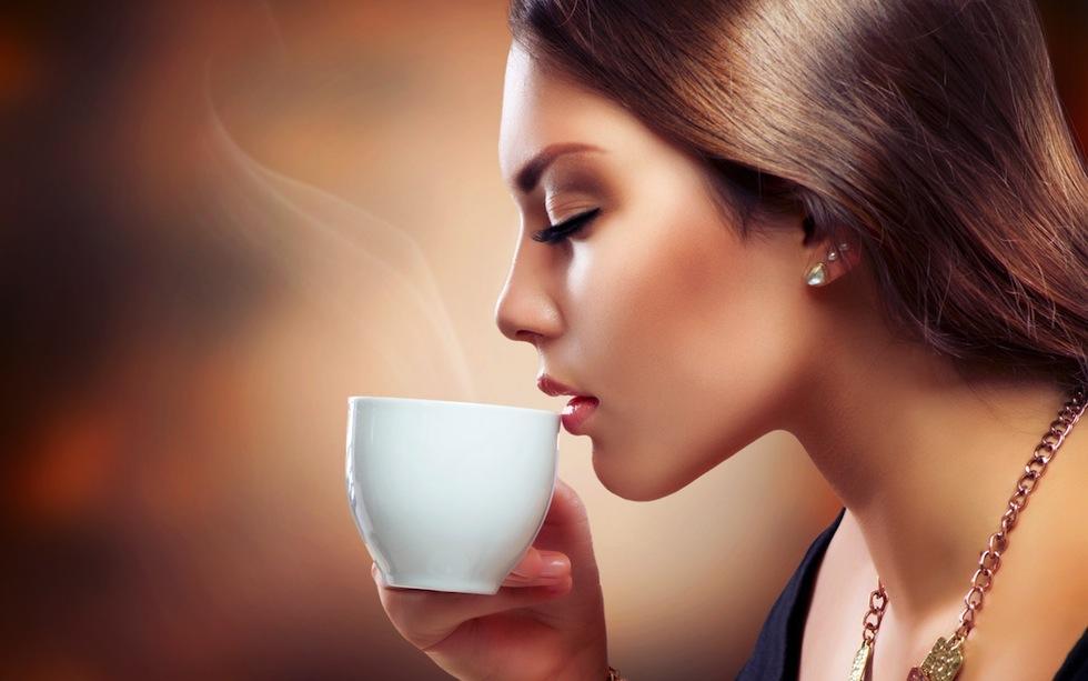 mujer café